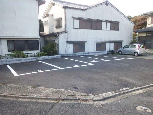 伏見稲荷大社まで9分、650mの駐車場